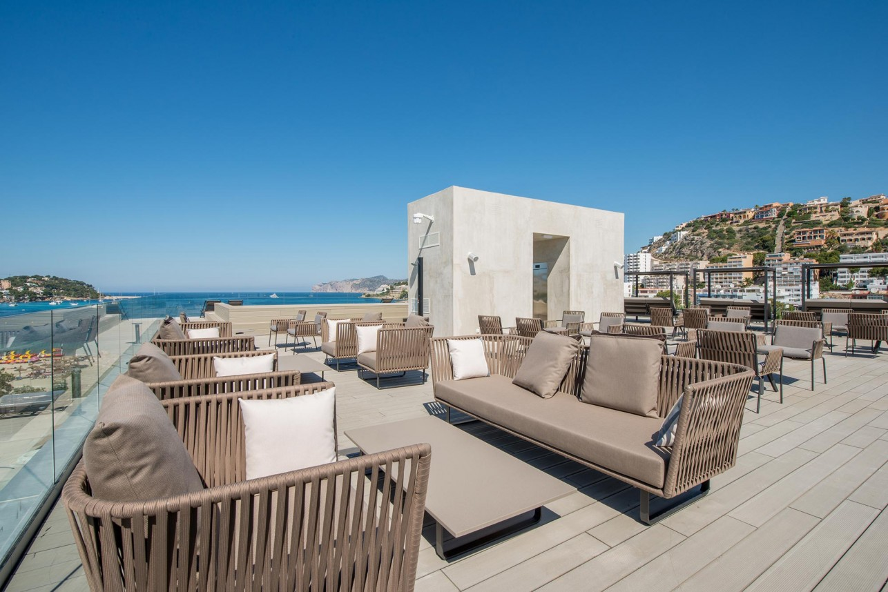 Renovation and Expansion of the H10 Casa del Mar Hotel