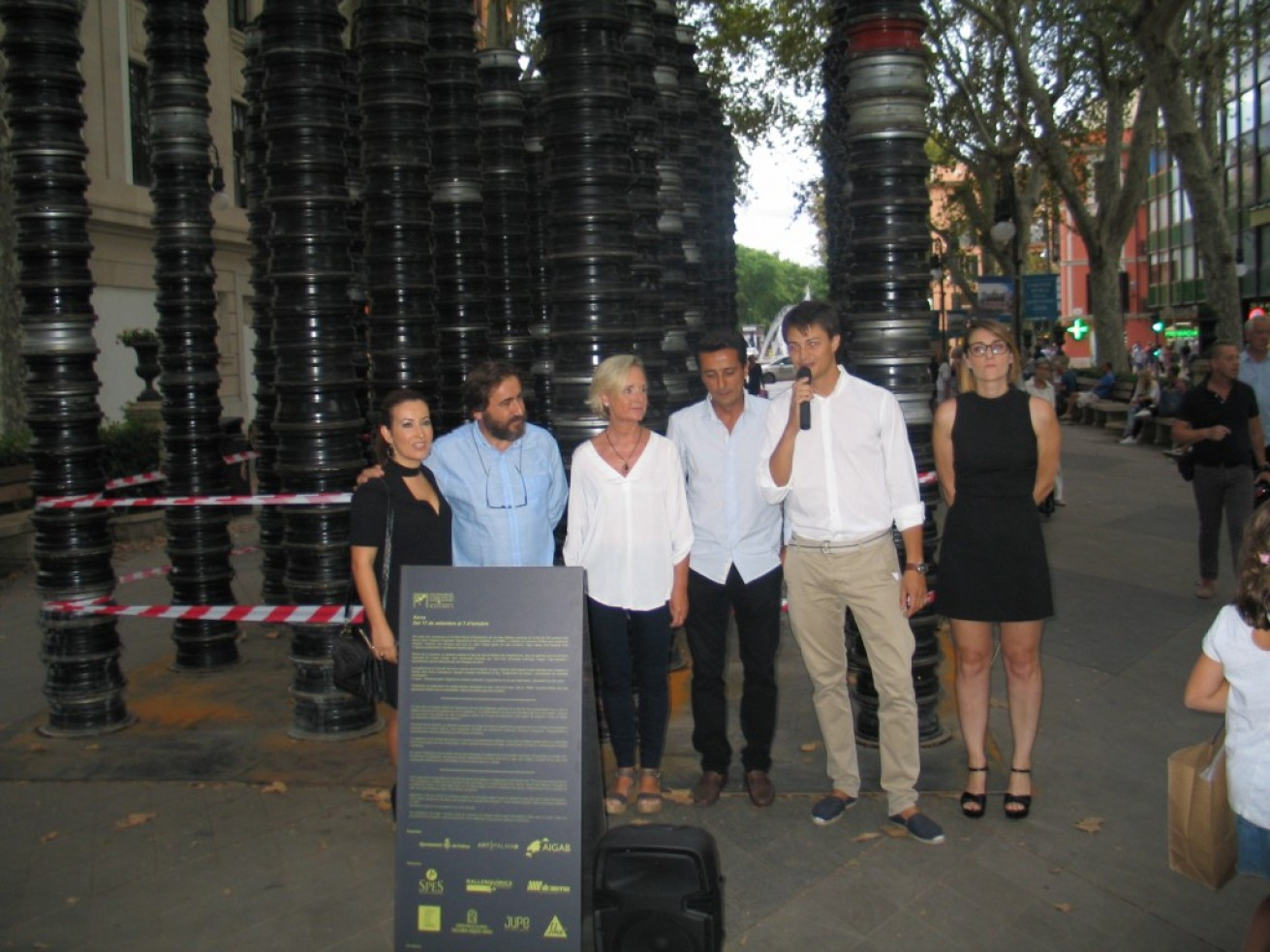 Grupo Ferrà cooperates with the COAIB for the exposition at the Nit de l'Art